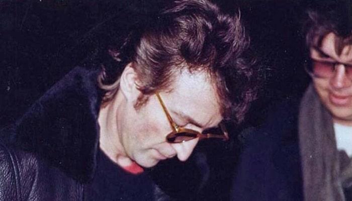John Lennon : le disque qu'il a signé pour Mark David Chapman lors d'une vente aux enchères