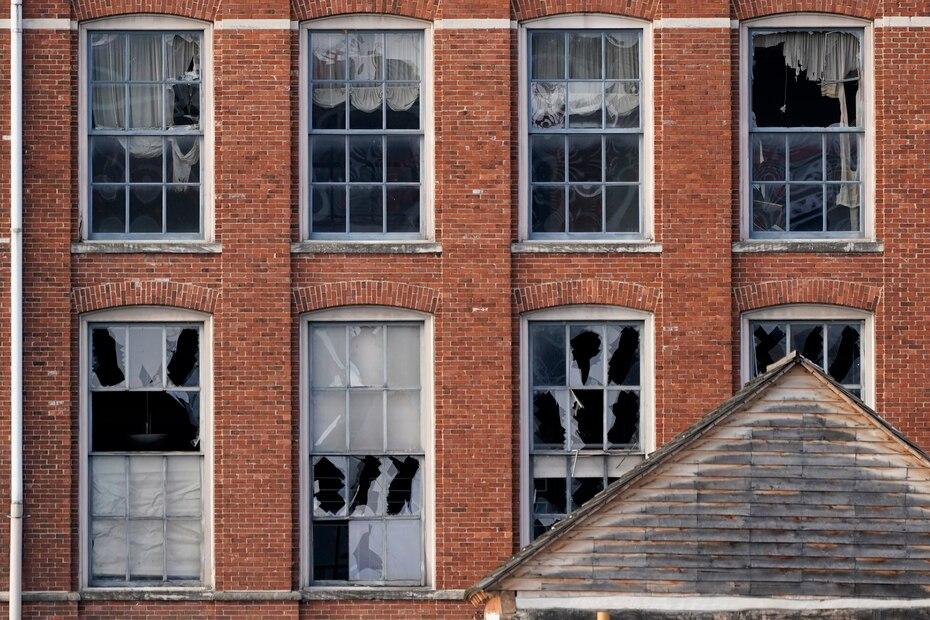 L'explosion a fait au moins trois blessés.