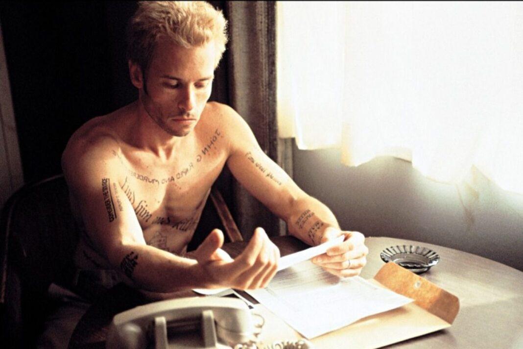 Memento, le film culte de Christopher Nolan a 20 ans