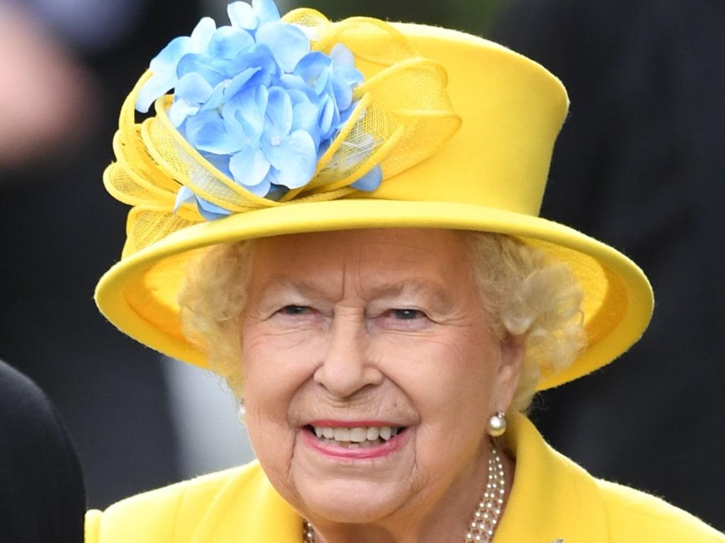 La reine Elizabeth a le premier mot avant l'interview d'Oprah par le prince Harry et Meghan Markle