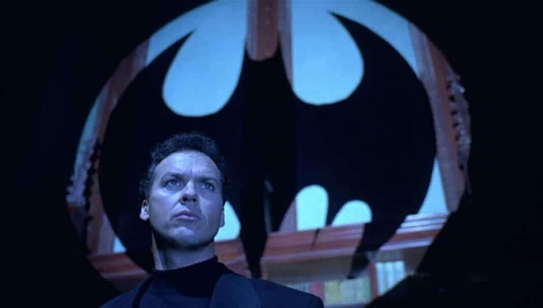 Flash, maintenant c'est officiel : Michael Keaton sera vraiment Batman dans le film.