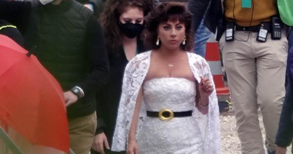 Lady Gaga en robe de mariée !