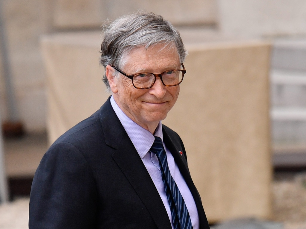 La fille de Bill et Melinda Gates, Jennifer Gates, reste proche de son père alors que les détails du divorce émergent.