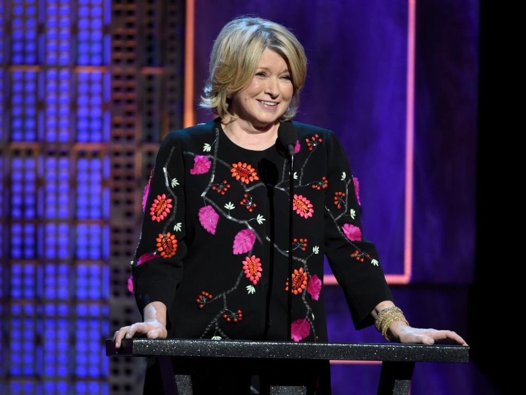Martha Stewart a démenti ces mensonges vicieux sur ses paons :