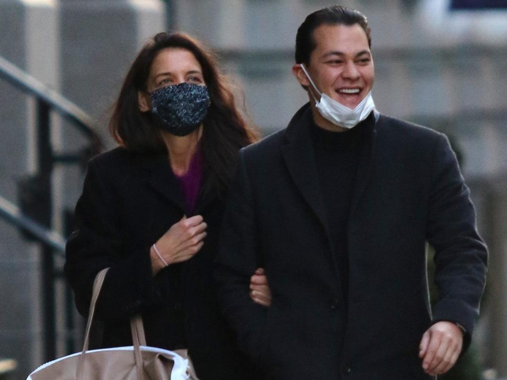 Katie Holmes n'a que de l'amour pour son ex-petit ami Emilio Vitolo dans son dernier message sur son blog.