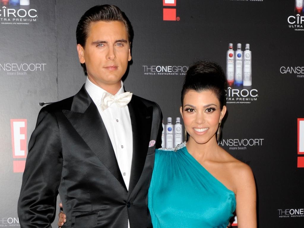 Kourtney Kardashian est passée à autre chose avec Travis Barker mais Scott Disick ne semble pas vouloir lâcher prise