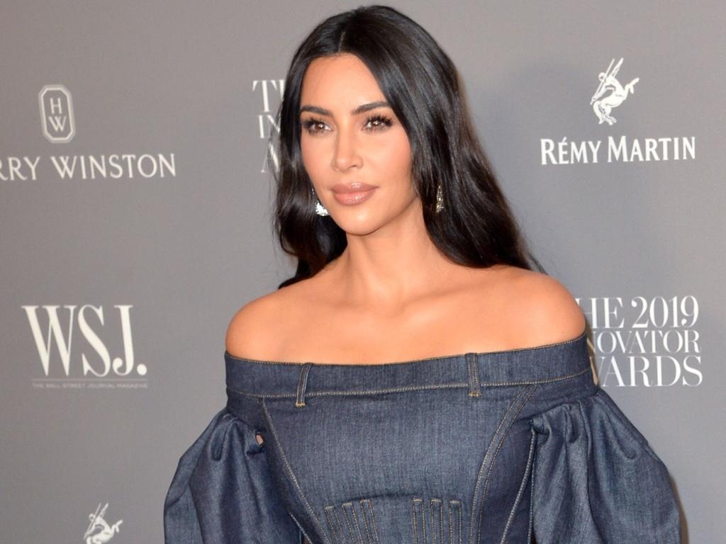 Kim Kardashian se débarrasse de son appartement de Calabasas décoré dans le style minimaliste de Kanye West pour 3,5 millions de dollars