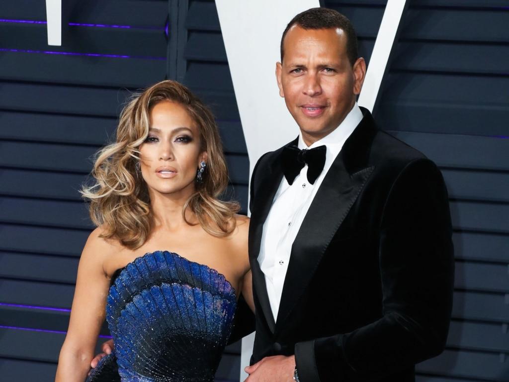 Jennifer Lopez et Alex Rodriguez se sont suffisamment rapprochés pour se saluer aujourd'hui à Monaco