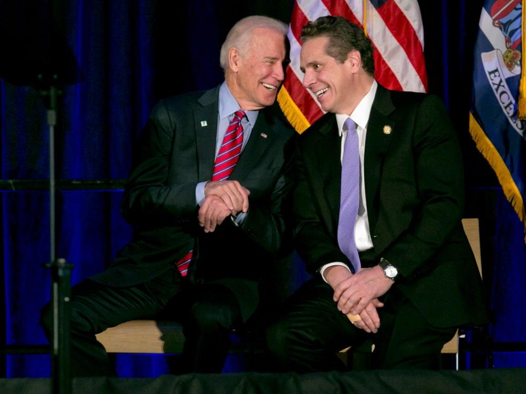 Le président Joe Biden tire un trait sur son amitié avec le gouverneur Andrew Cuomo et appelle à sa démission