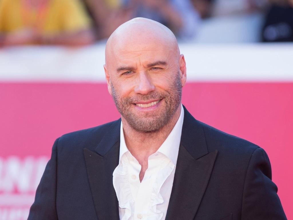 John Travolta allège son portefeuille immobilier près des bureaux de la Scientologie, il vend une propriété à Clearwater pour 4 millions de dollars.