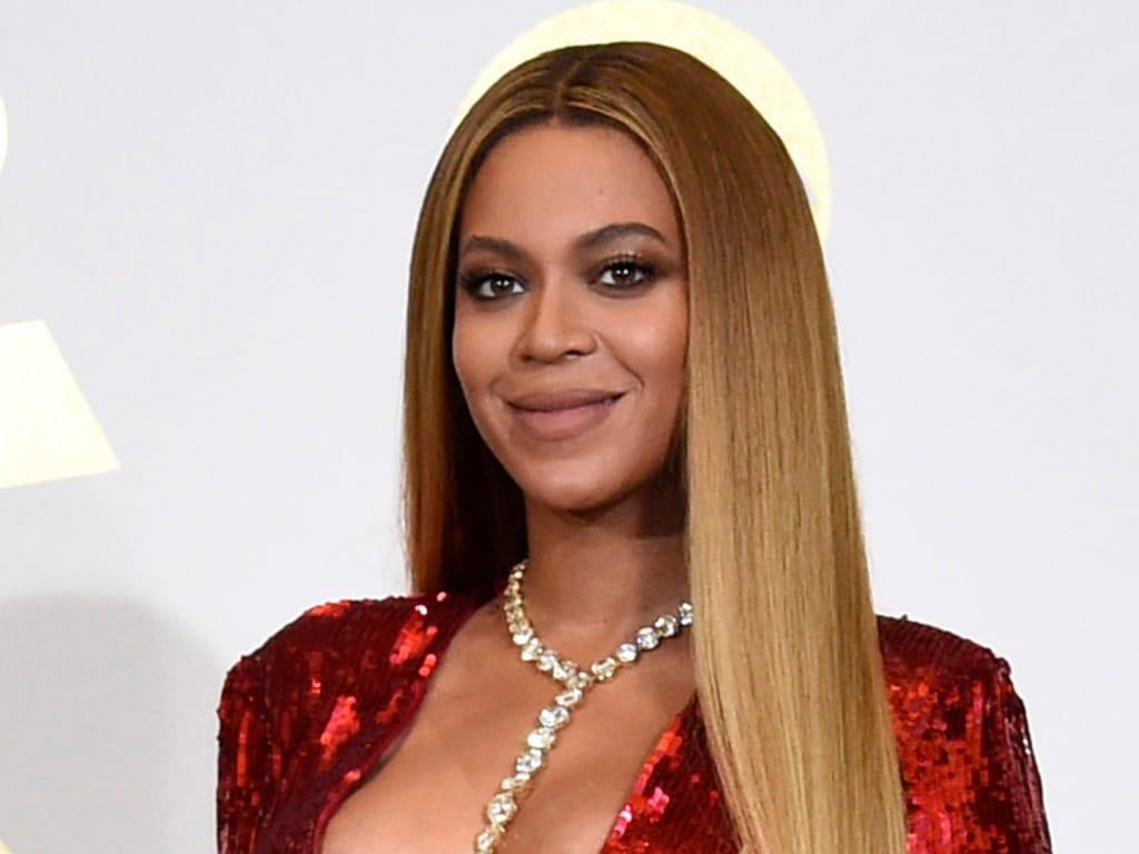 Beyoncé a partagé un autre aperçu de Rumi, qui grandit rapidement, sur ces photos de famille prises pendant ses vacances en Italie.