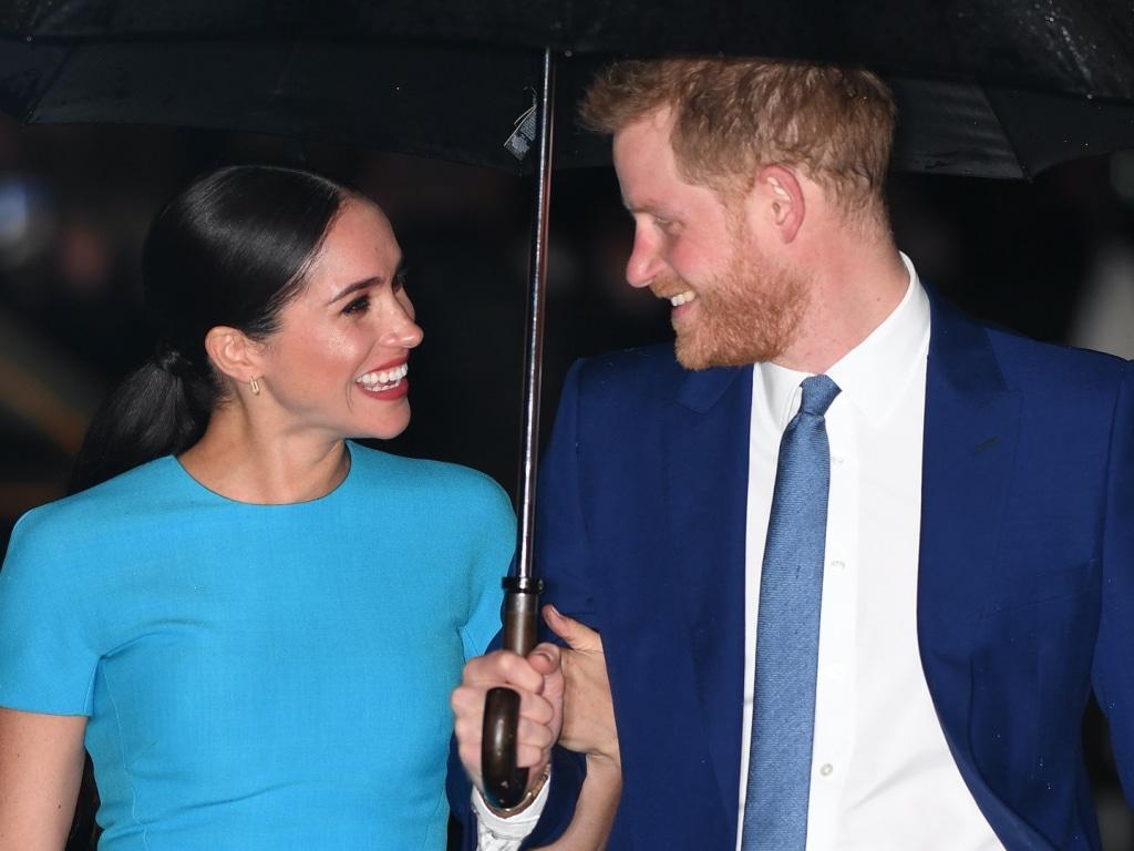 Le prince Harry et Meghan Markle ont pris une nouvelle photo saisissante de couple de pouvoir pour leur couverture du Time 100