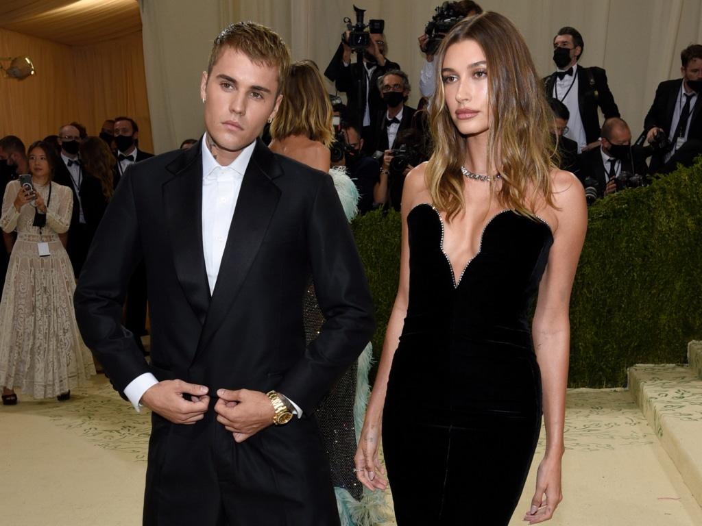 Justin Bieber a eu un moment au Met Gala qui a convaincu les fans que Hailey Bieber est enceinte.