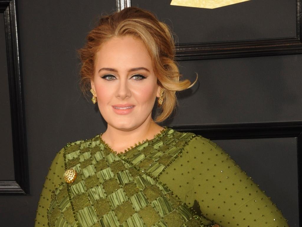 Adele vient de devenir officielle sur Instagram avec son petit ami Rich Paul.